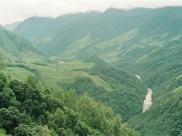 ಕಣಿವೆಗಳಿಂದ ಕೂಡಿರುವ ರೋಯಿಂಗ್ ಸೌಂದರ್ಯ ಸುಂದರ