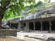 ಮಹಾರಾಷ್ಟ್ರದ  ಮಂಡಪೇಶ್ವರ ಏಕೈಕ ಶಿವನ ಗುಹೆ