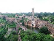 ಭಾರತದ ಅತ್ಯಂತ ದೊಡ್ಡ ಕೋಟೆ ಯಾವುದು ಗೊತ್ತ?