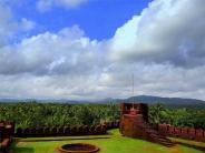 ಐತಿಹಾಸಿಕ ಸೊಬಗಿನಿಂದ ಕಂಗೊಳಿಸುತ್ತಿರುವ ಮಿರ್ಜನ ಕೋಟೆ
