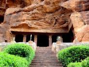 ಬಾದಾಮಿ ಎಂಬ ಅದ್ಭುತ ಗುಹಾ ದೇವಾಲಯಗಳು