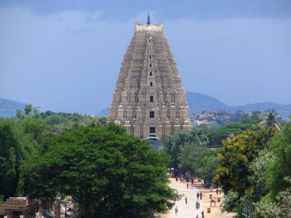 ಕರ್ನಾಟಕದ ಆಕರ್ಷಕ ದೇವಾಲಯ ಗೋಪುರಗಳು