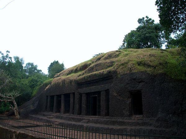 ಗೋವಾ ರಾಜ್ಯದ ಅಪರಿಶೋಧಿತ ಅರ್ವಾಲೆಮ್ ಗುಹೆಗಳು ಮತ್ತು ಜಲಪಾತ