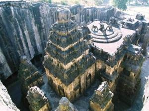 ಭಾರತದ 1000 ವರ್ಷಗಳ ದೇವಾಲಯಗಳಿವು...
