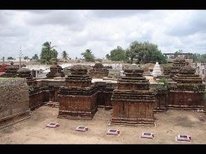 Temples Kuknur Calling Tourists