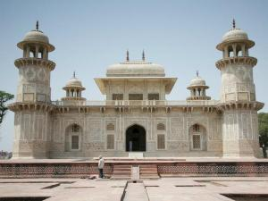 These 8 Indian Monuments Were Built Women Their Loved Ones