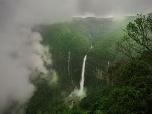 Shocking Story The Breathtaking Nohkalikai Falls