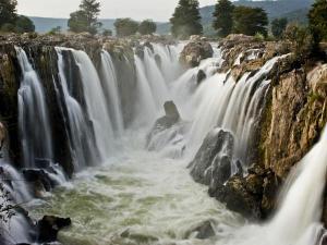 Hogenakkal Waterfall With Its Wonderful Beauty