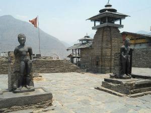 Lakhamandal Mandir