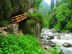 Unexplored Treks In Pabbar Valley