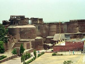 All You Need To Know About Jamalabad Fort