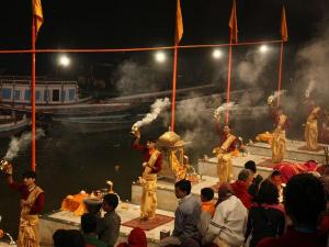 Things Keep In Mind During The Evening Aarti Varanasi