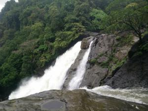Visit Benne Hole Falls In This Monsoon