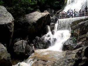 Visit The Suruli Falls In Tamilnadu