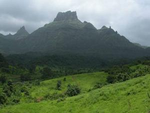 Chanderi Fort Maharashtra History Timings How Reach