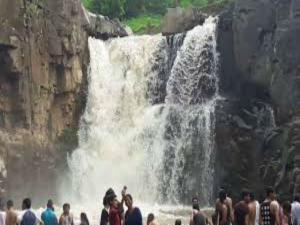 Zarwani Waterfalls Gujarat Attractions How Reach