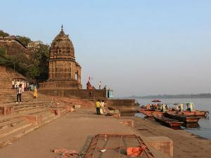 Maheshwar Madhya Pradesh History Attractions And How To R