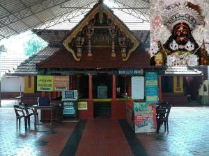 Thiruvarkadu Bhagavathy Temple Madayi Kavu History Attractions And How To Reach