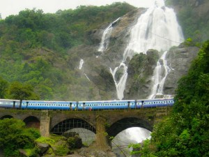 Destinations To Travel With Your Friends In This Monsoon