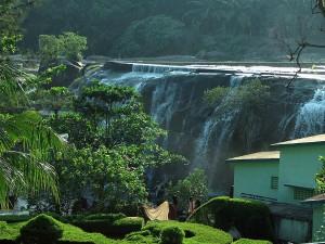 Tirparappu Waterfall In Kanyakumari Tamil Nadu With A Beautiful Swimming Pool