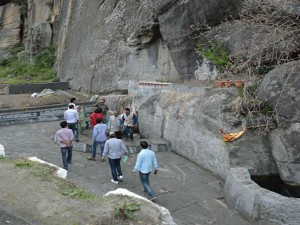 Nehru Kund Attractions And How To Reach