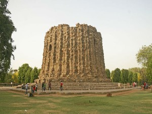 The Alai Minar History Attractions And How To Reach