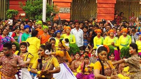 2018 ರಲ್ಲಿ ಭಾರತದಲ್ಲಿ ಸಂಭ್ರಮದಿಂದ ಹೋಳಿ ಆಚರಿಸಲ್ಪಡುವ ಪ್ರಮುಖ 5 ಸ್ಥಳಗಳು
