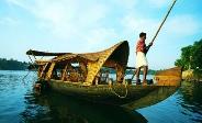 വശ്യമനോഹരിയായ അഷ്ടമുടി കായല്